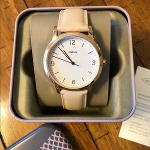 Beautiful rose gold Fossil watch NWT